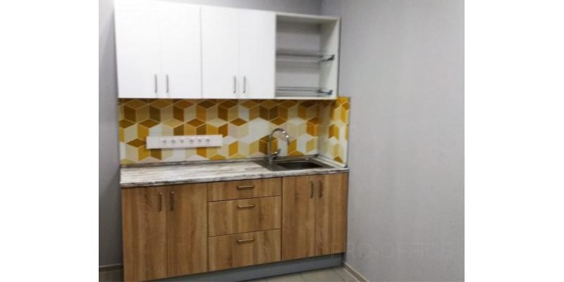 Встроенная кухня с подключенной мокрой точкой